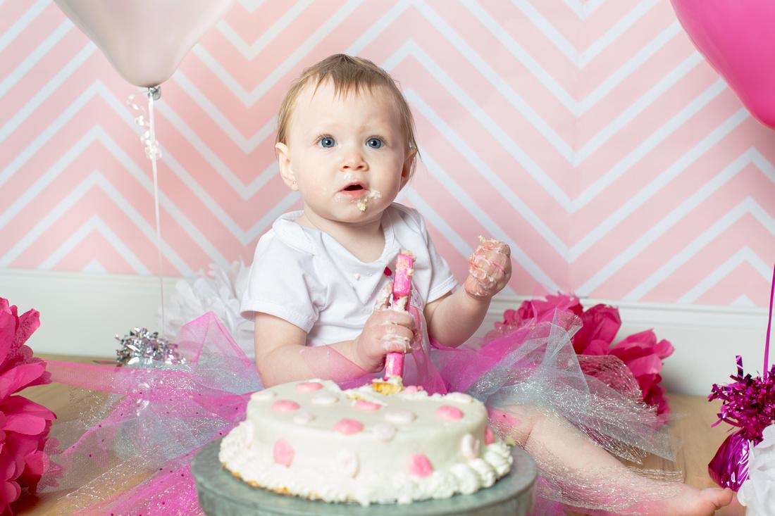Emily - 1 year old - Cake Smash 2017 - 47